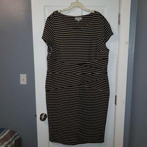Dresses & Skirts - Gathered bodycon dress